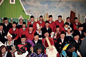 2012 Het koor in Volendams kostuum